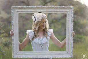 wedding picture frames 10 creative ways to add frames to your wedding the magazine