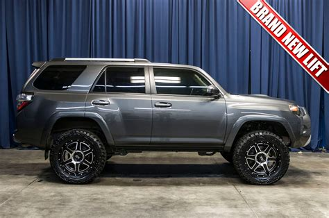 lifted  toyota runner trail  suv  sale