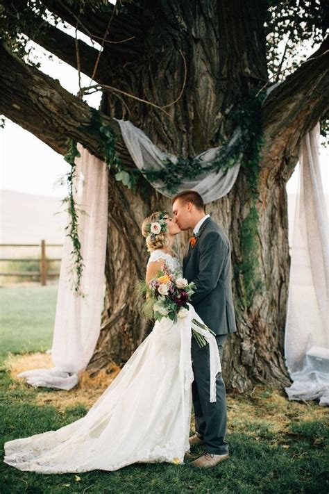 Tree Backdrop For Wedding by 18 Stunning Tree Wedding Backdrop Ideas For Ceremony Page 2