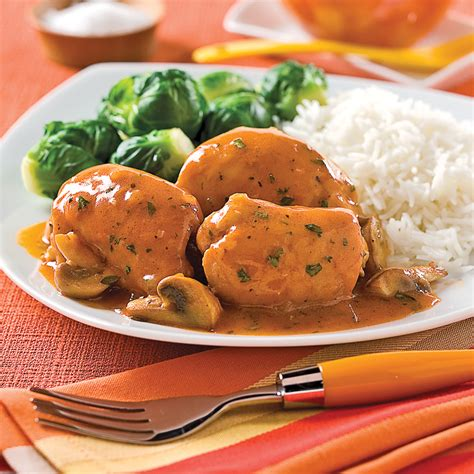 cuisiner haut de cuisse de poulet hauts de cuisse de poulet sauce chasseur recettes cuisine et nutrition pratico pratique