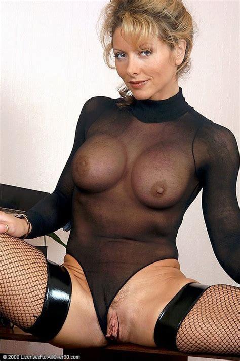 Showing Porn Images For milf Labia Porn