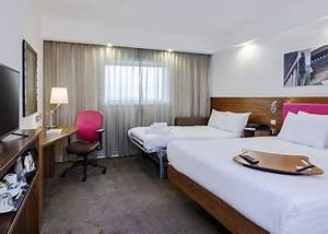 budget bargains 5 reasons why hampton by hilton hotels With hilton sofa bed
