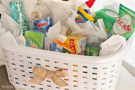 25+ Best Ideas About Housewarming Gift Baskets On