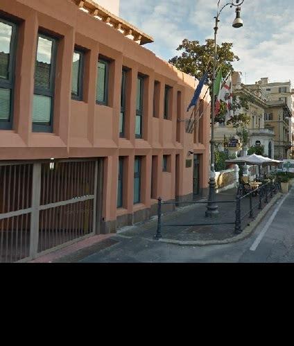 Uffici Regione Sardegna by Regione Gli Uffici In Affitto Oltre 6000 Al Giorno