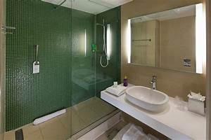 Nottingham University Hotel Bathroom Pods Elements Europe
