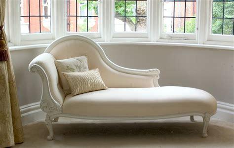 Elegance of living: Chaise Longue Sofa Designs