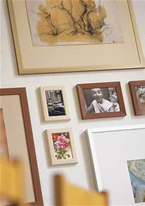 Bilder Richtig Aufhängen Anordnung : bilder arrangieren ~ Frokenaadalensverden.com Haus und Dekorationen