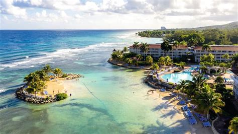 Holiday Inn Resort in Montego Bay | FirstChoice.co.uk