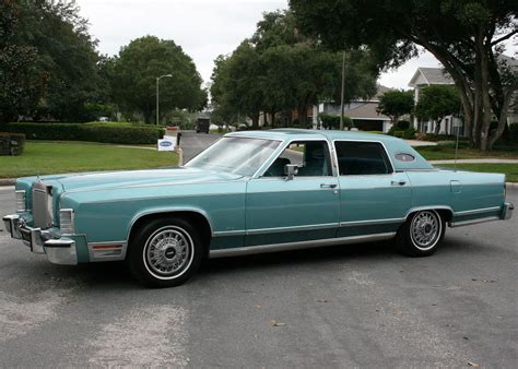 1978 Lincoln Continental with wire wheel covers | CLASSIC ...