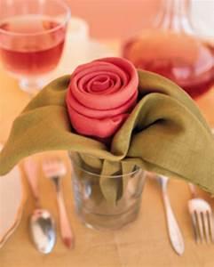Rosen Im Glas : sch ne elegante rosen aus servietten basteln ~ Eleganceandgraceweddings.com Haus und Dekorationen
