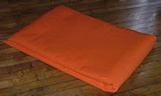 boutique de yoga lota tapis coussins livres cd39s With tapis yoga avec canape modulation