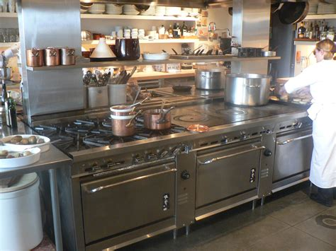 equip cuisine learn how to choose the right commercial range