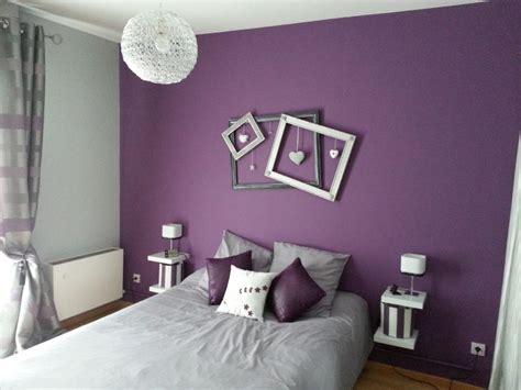 chambre gris et violet décoration de chambre avec couleur prune déco