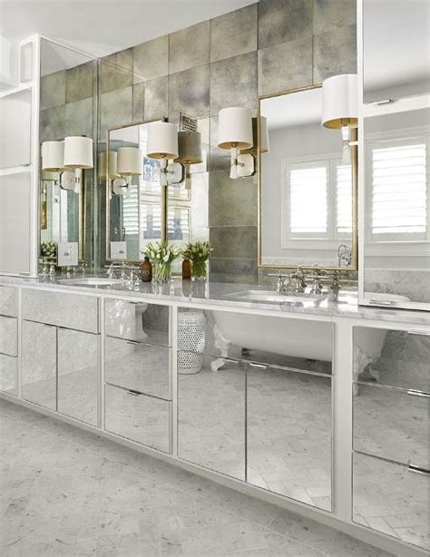 mirrored  mullion transitional bathroom traditional