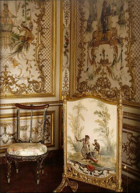 Petit Chateau at Chantilly, detail of the room of the