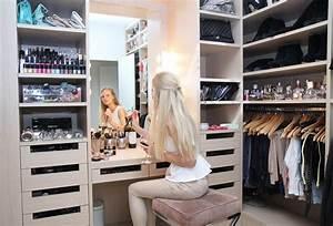Make Up Schrank : begehbarer kleiderschrank der traum jeder frau haus ankleidezimmer pinterest ~ Frokenaadalensverden.com Haus und Dekorationen