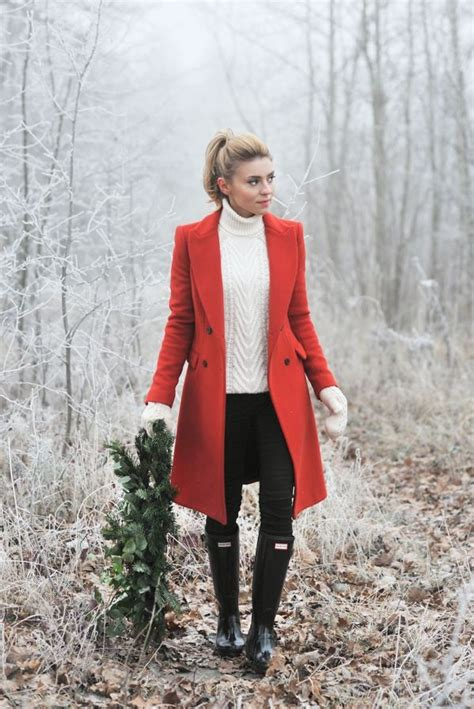 Best 25+ Red coat outfit ideas on Pinterest | Red winter coat Red coats and Classic fashion outfits
