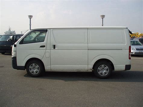 Toyota Hiace Wallpapers by 2006 Toyota Hiace Wallpapers 2 5l Diesel Manual