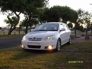 Toyota Runx 2010