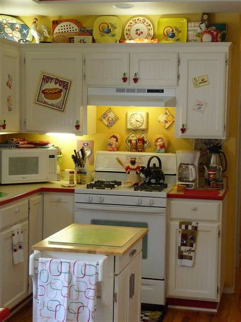 images  cottage  kitchens  pinterest