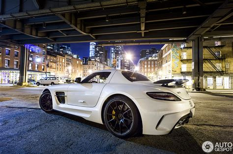 mercedes benz sls amg black series   york city  night