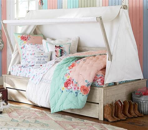 pottery barn trundle bed wyatt canopy bed and trundle pottery barn