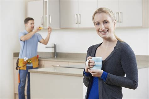 prix de pose cuisine le prix de l 39 installation de meubles de cuisine par des