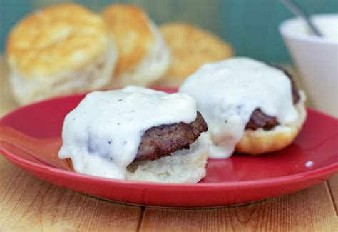 Countrystyle Pepper Gravy (for Biscuits) Recipe