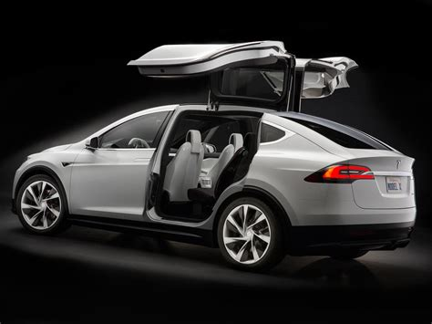 Elon Musk Confirms Model X Starts Shipping Later This Month