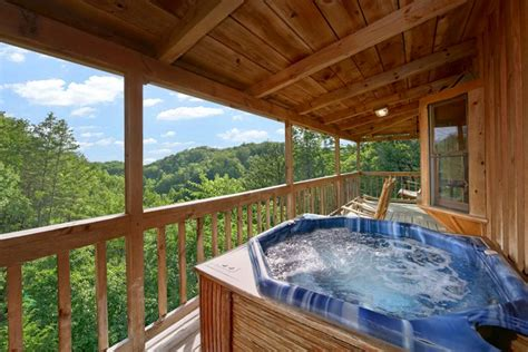 cabins in gatlinburg tennessee serenity ridge log cabin sevierville tn honeymoon cabin