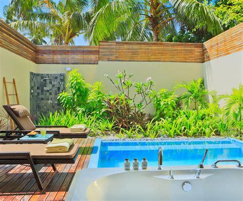 Garden Pool : Kurumba Maldives Resort