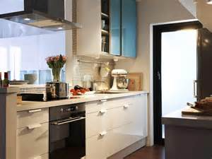 small kitchen designs small kitchen design ideas photo gallery thelakehouseva