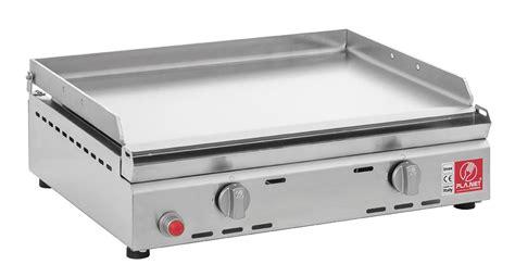cuisiner au teppanyaki un barbecue à gaz en acier inox spécialement prévu pour