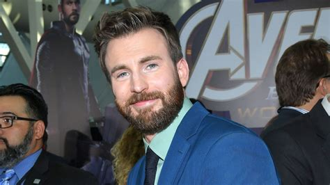 Chris Evans Turned an Accidental Nude Photo Leak Into ...