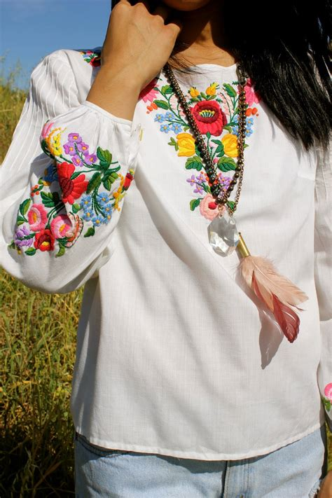 embroidered peasant blouse hungarian vintage embroidered peasant blouse