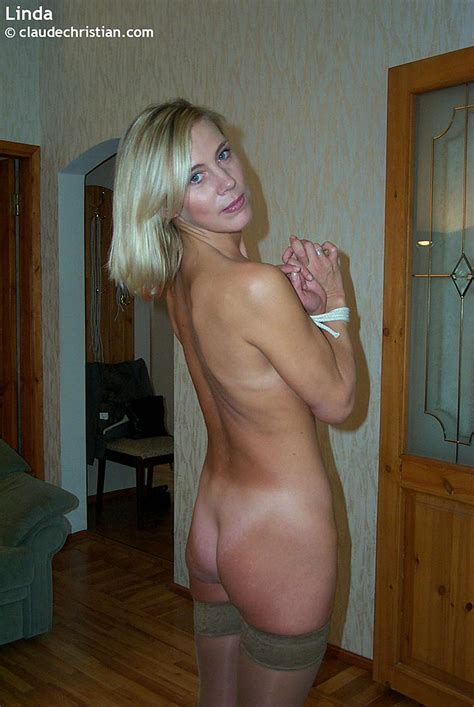 Busty milf Linda in tight stockings posing - XXX Dessert - Picture 19