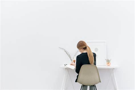 femme bureau photo gratuite fille femme travail bureau