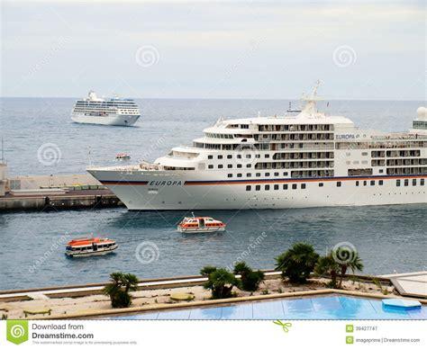 Cruise ship to europe