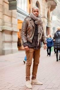 Veste En Daim Grise : tenue veste motard en cuir brun gris fonc pantalon chino brun bottines chukka en daim beige ~ Melissatoandfro.com Idées de Décoration
