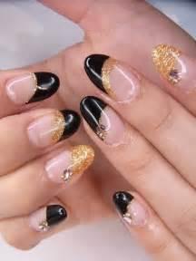 Black nail polish designs