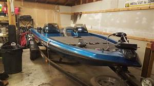 1995 Blue Sparkle Champion Bass Boat With Mariner 125