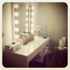 furniture white bedroom vanity table with lighted mirror