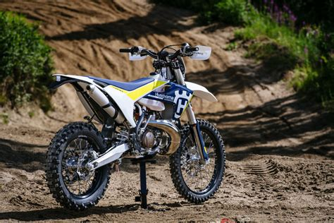 Review Husqvarna Te 250 by Review 2017 Husqvarna Te 250 And Te 300 Bike Review