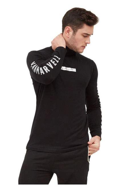 Jun 22, 2021 · pemotor yang mengenakan kaos dan helem berwarna hitam itu dengan santai mempegerakan tindakan akrobatik dengan mengangkat motor crossnya. Kaos Leher Tinggi - Turtleneck Kaos Kerah Tinggi Fesyen ...