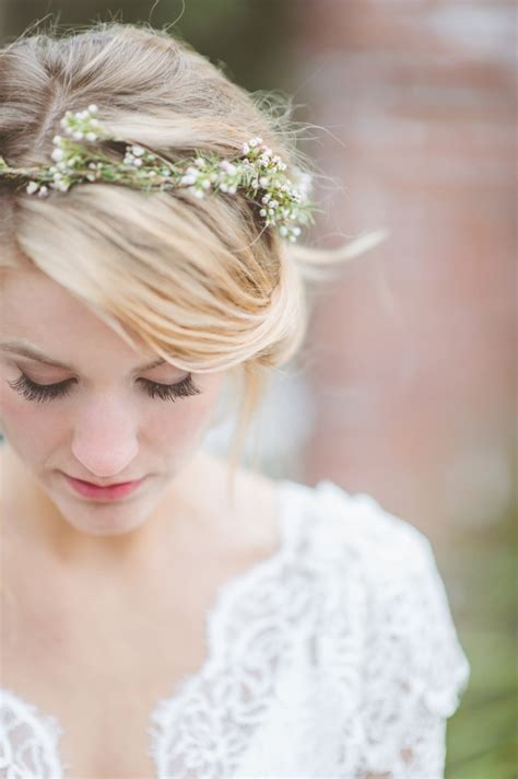 fabulous flower crowns  perfect bridal hair accessory