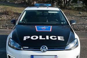 Nouvelle Voiture De Police : en images la police de paris choisit la volkswagen e golf pour rouler l 39 lectrique l 39 usine ~ Medecine-chirurgie-esthetiques.com Avis de Voitures