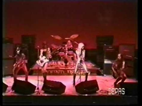 The Runaways Live In Japan 1977 Youtube