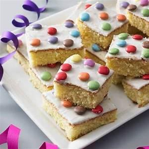 Rezepte Für Geburtstagsfeier : blechkuchen rezepte f r gl ck im quadrat kuchen pinterest ~ Frokenaadalensverden.com Haus und Dekorationen