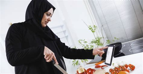 cuisine arabie saoudite arabie saoudite les femmes chefs grignotent du terrain en cuisine