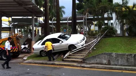 Nice Parking, Car Accident @ Clementi Singapore 26th Oct